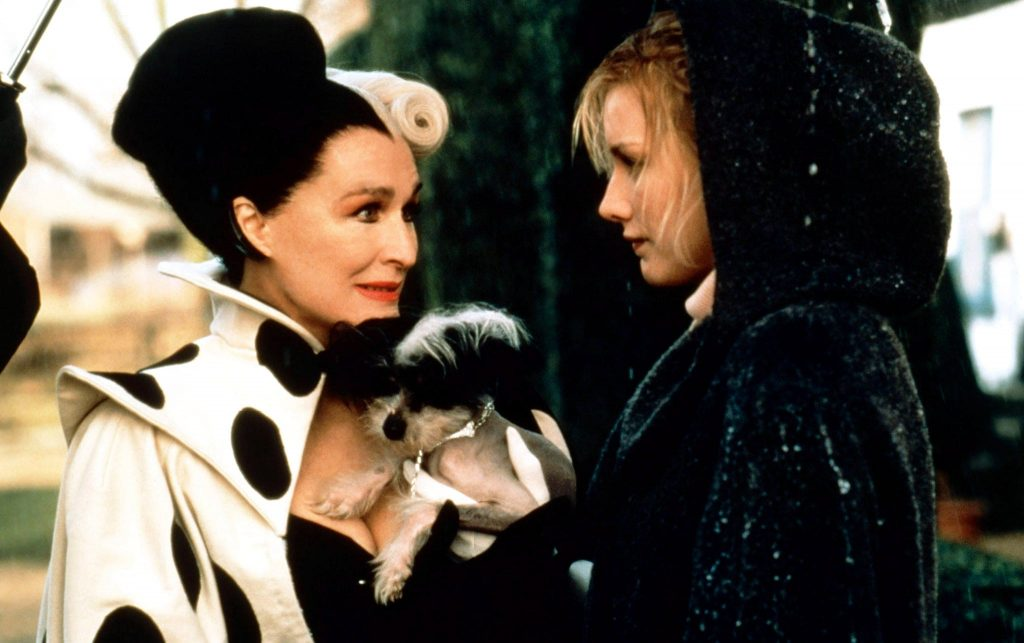 「101」の実写版では、クルエラは女優のグレン・クローズが演じた